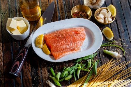 El salmon contiene Omega 3